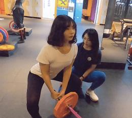 教練Jocelyn與學生Debby_地雷管健身