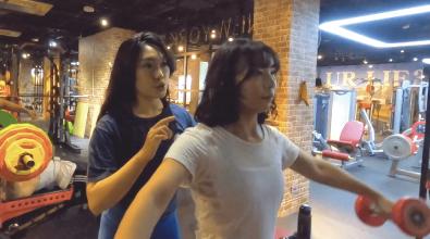 教練Jocelyn與學生Debby_飛鳥肩部健身